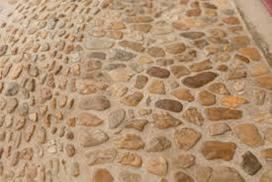 Conservez charme rustique dune chaussée grâce nos galets!